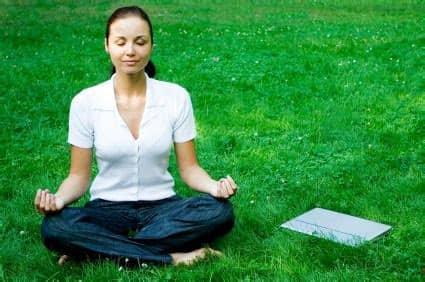 Méditer dans son quotidien apporte un apaisement.